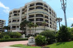 Landfall condos for sale. View all the Landfall condominiums Jupiter Island real estate. KW Realty presents Landfall condos for sale in Jupiter Island, Florida