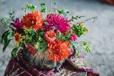 Pewter with dahlias, zinnias, hypericum and panicum grass Picture by Clare West (www.clarewestphotography.co.uk) Autumn Flowers, Fall Wedding Flowers, Dahlias, Zinnias, September Flowers, Wedding Mood Board, French Wedding, Flower Images, Pewter