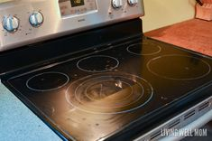 Finally get your stove top sparkling clean with this handy cleaning hack! Cleaning Flat Top Stove, Clean Stove Top, Daily Cleaning, Cleaning Hacks, Ceramic Stove Top, Oven Top, Glass Cooktop, Sparkling Clean, Clean House