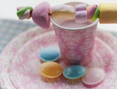 Decorate&Celebrate #DisposableTableware #SweetTables