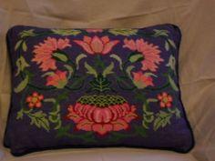Flower pillow - blue