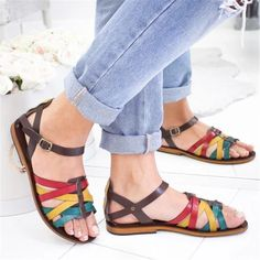 Women shoes Sneakers Kendall Jenner - Women shoes Wedding Classy - Women shoes Sandals Steve Madden - New Balance Women shoes Fashion Flat Sandals Outfit, Leather Sandals, Loafers Outfit, Men Sandals, Women's Loafers, Summer Sandals, How To Wear Loafers, Loafers For Women, Chunky Heel Pumps