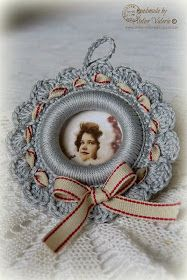 Atelier Valerie: Christmas Picture Ring Tutorial