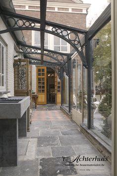 Vloeren, Floor, Tegels, tiles, oud, old, antiek, antique, interieur, interior. Oude bouwmaterialen afkomstig van 't Achterhuis.