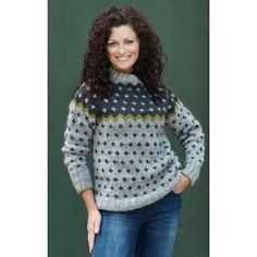 Sweater med korsmønster. By Charlotte Hjelholt