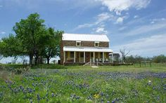 Rustic Texas ranch by reader Sondra Sapper-Butler. country-magazine.com