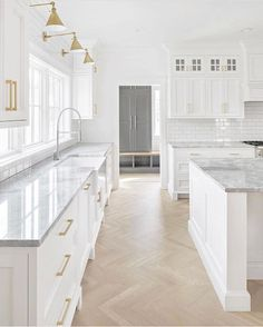 white kitchen design, cottage kitchen design with white shaker cabinets and . - white kitchen design, cottage kitchen design with white shaker cabinets and gold fittings, herringb - Studio Kitchen, Home Decor Kitchen, Interior Design Kitchen, New Kitchen, Awesome Kitchen, Long Kitchen, Happy Kitchen, Decorating Kitchen, House Kitchen Design