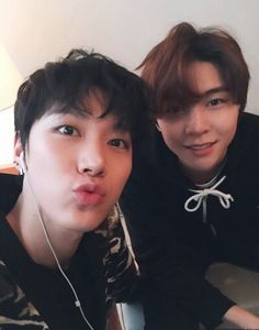 Ten and Johnny!! <3