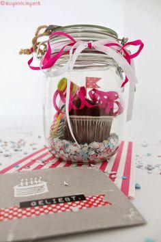 DIY Birthday in a Jar - Geburtstag im Glas Muffin Gift Geschenk Konfetti Present