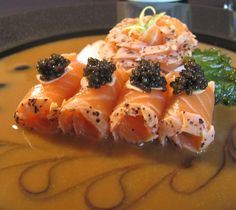 Seared King Salmon Sashimi with Tangy Miso and Caviar Tapas Dishes, Seafood Dishes, Seafood Recipes, Sashimi Sushi, Salmon Sashimi, My Sushi, Sushi Comida, Good Food, Yummy Food