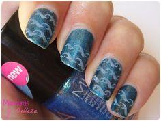 manicura marina azul de olas mar waves nail art sea blue summernails placas estampación Pueen