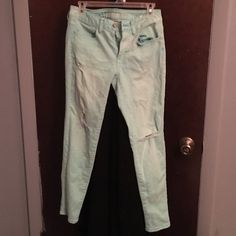 Selling this Teal American Eagle skinny jeans in my Poshmark closet! My username is: kbrune2016. #shopmycloset #poshmark #fashion #shopping #style #forsale #American Eagle Outfitters #Denim