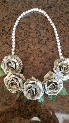 Money origami dollar roses lei