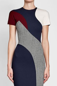 Printed Dress with Wool - Victoria Beckham Colour Blocking Fashion, Sexy Cocktail Dress, Edwardian Dress, Colorblock Dress, Work Attire, Japanese Fashion, Feminine Style, Chic Outfits, Dress To Impress