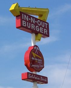 1948 Baldwin Park, California site of first IN-N-OUT Burger. In And Out Burger, Burger And Fries, Good Burger, Burgers, Fast Food Restaurant, Restaurant Design, Burger Places, Baldwin Park, Hamburgers