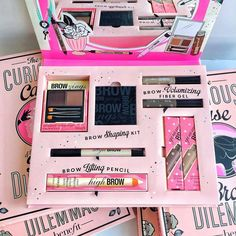 ALL the brow products! Seriously, what would you do to get your hands on this Benefit brow book!?