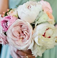 Love these flowers! Nice with a mix of shades too.