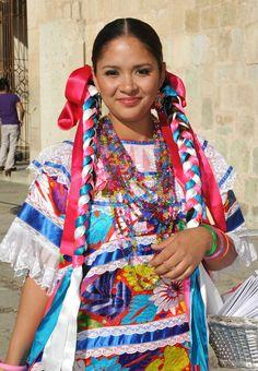 Traje regional ( Jalapa d Díaz ),la Chinantla, ubicado en la zona norte del estado d Oaxaca.