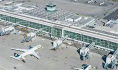 Turismo em Munique, Alemanha 27 de abril · O Aeroporto de Munique e a Lufthansa inauguraram o novo terminal satélite (parte do Terminal 2), que terá capacidade para receber 11 milhões de passageiros por ano, em um total de 125 mil metros quadrados, incluindo 18 mil de área de espera. O satélite é um dos terminais mais modernos e avançados do mundo e uma infraestrutura de desenvolvimento para o futuro. Sua capacidade anual equivale à de um aeroporto de médio porte alemão. Mais uma vez, o