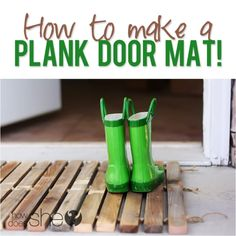 Home Decorating Ideas For Cheap DIY Welcome Mats - Wood Plank Doormat - Greet Guests in Style with These Easy an. Natural Home Decor, Unique Home Decor, Cheap Home Decor, Diy Home Decor, Diy Wood Projects, Outdoor Projects, Outdoor Ideas, House Projects, Outdoor Spaces