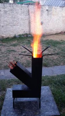 Estufa Rocket Outdoor Stove, Outdoor Fire, Jet Stove, Rim Fire Pit, Rocket Stove Design, Mini Wood Stove, Rocket Mass Heater, Stove Heater, Diy Grill