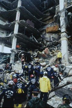 Oklahoma City, OK, April 1995 -- Search and Rescue workers gather at the scene of the Oklahoma City bombing. (Photo Credit: FEMA News Photo) Mystery Of History, Us History, American History, Oklahoma City Bombing Memorial, Downtown Okc, Oklahoma Usa, Heart Of America, Search And Rescue, Federal