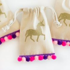 Share the magic with your party guests and send them home with these adorable and one of a kind Unicorn goodie bags! Fill them with candy, tiny trinkets or small baked goods for the perfect party favor that your guests are sure to enjoy!