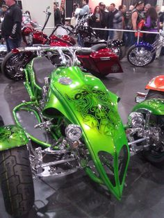 http://motorcyclemaintenancetips.com/ has some info on the types of motorcycles and how to properly maintain them.