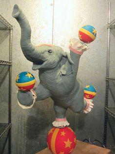 circus, elephant, cake,