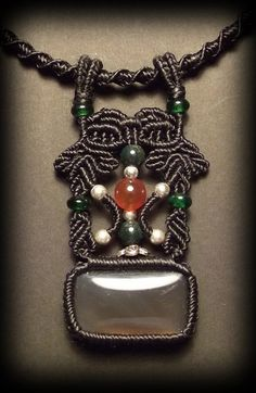 Macrame jewelry necklace with grey agate by Mabutirat on Etsy.