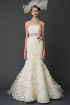 Weddbook ♥ Vera Wang wedding dress