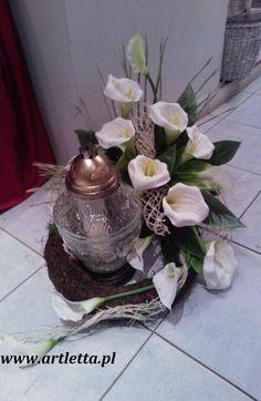 Myslíme si, že by sa vám mohli páčiť tieto piny - mariagreckova Funeral Flower Arrangements, Modern Flower Arrangements, Funeral Flowers, Grave Decorations, Flower Decorations, Memorial Flowers, All Saints Day, Ikebana, My Flower