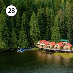 Resort-ul Nimmo Bay Wilderness, în Canada, este altul din cele 24 de hoteluri boutique care fac parte din National Geographic Unique Lodges of the World. Whistler, British Columbia, Resorts, Vancouver, Wilderness Resort, Floating Hotel, Evergreen Forest, Victoria, Day Tours