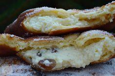 Gogosi cu branza - CAIETUL CU RETETE Cakes, Desserts, Food, Tailgate Desserts, Deserts, Cake Makers, Kuchen, Essen, Cake