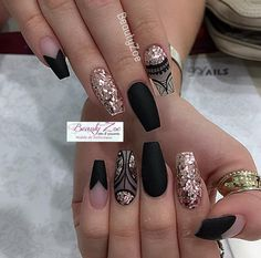 62 Best 💅 Black Coffin Nails Design You May Crazy for It (Glitter Nails, Matte Nails) - Page 7 😘💋𝙄𝙛 𝙔𝙤𝙪 𝙇𝙞𝙠𝙚, 𝙅𝙪𝙨𝙩 𝙁𝙤𝙡𝙡𝙤𝙬 𝙐𝙨 💋 💖 💖 💖 💖 💖 💖 💖 💖 💖💖 Hope you like this Gold Nail Art, Rose Gold Nails, Cute Acrylic Nails, Glitter Nails, Henna Nail Art, Glitter Eyeliner, Fancy Nails, Pretty Nails, Matt Nails