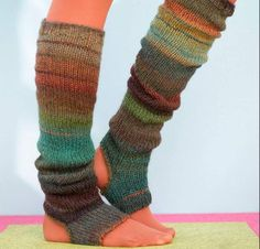 Perfect for a pedicure or yoga workout, Sausalito Stirrup Socks are a must for every gal on the go! Your kit includes a pattern and Lion Brand Amazing, a self-striping yarn that lives up to its name. This acrylic/wool blend offers softness and warmth in an array of gorgeous, tweedy colorways, for a cute pair of stirrup socks you'll love slipping into.