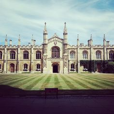 The buildings in Cambridge are MINDBLOWING! I've only been there once so far, but I am definetly going back!