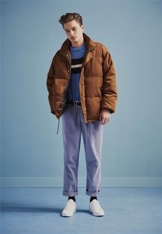 Denis channels relaxed style in a down jacket, cable-knit sweater, and high waist trousers from River Island. Old School Fashion, Fashion Kids, Fashion Models, Winter Fashion, Mens Fashion, Hip Hop Outfits, Hipster Outfits, Winter Outfits Men, Fall Outfits