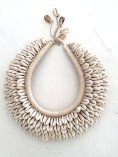 Necklace Papua New Guinea    Photo Catharina Stålnacke