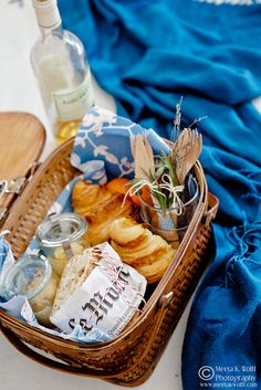 French picnic~ a fun summer idea to gather friends family at the beach, park or favorite garden. Pack all your favorites in this cute basket.