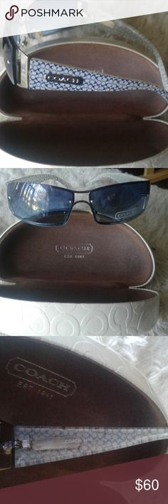 Beautiful coach sunglasses & case Really nice Coach Accessories Sunglasses