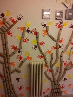 I would love to do this in our home for autumn thankful tree! Autumn Crafts, Autumn Art, Autumn Theme, Kids Crafts, Diy And Crafts, Arts And Crafts, Class Decoration, School Decorations, Thankful Tree