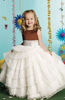 Vestidos para niñas para una fiesta o boda : Novios y más