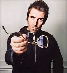 Gene Gallagher, Lennon Gallagher, Liam Gallagher Oasis, Round Sunglasses, Mens Sunglasses, Four Eyes, Britpop, Image, Instagram