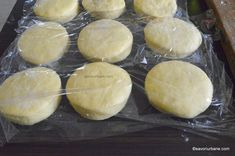 Pancove sau gogoși ardelenești pufoase și aromate - rețeta tradițională   Savori Urbane Camembert Cheese, Cookie Recipes, Gem, Dairy, Bread, Cookies, Sweet, Desserts, Foods