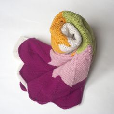 Ravelry: capovak's Dika ~ chevron crib blanket made from sport-weight cotton.