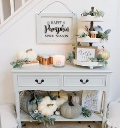33 Fantastic Ideas To Cozy Your Home With Farmhouse Fall Decor - Bauernhaus Dekor Fall Home Decor, Autumn Home, Diy Home Decor, Fall Entryway Decor, Thanksgiving Decorations, Seasonal Decor, Fall Decorations, Diy Thanksgiving, Halloween Decorations