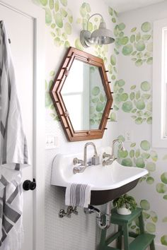 527 Best Bathrooms Images In 2019 Bathroom Home Decor Powder Room