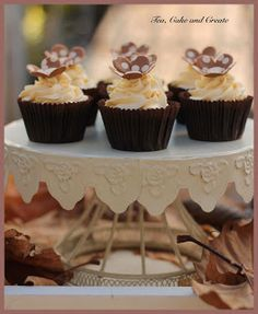 Tea, Cake & Create: Malva Pudding Cupcakes with Amarula Mascarpone Icing Baking Cupcakes, Cupcake Recipes, Baking Recipes, Tart Recipes, Graham Recipe, Banana Pudding Cupcakes, Whipped Cream Icing, Malva Pudding, Pudding Pop
