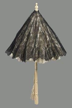 ©️ Museum of Fine Arts, Boston Lace Parasol w silk lining & ivory handle, France Ivory Trade, Lace Parasol, Vintage Cigarette Case, Umbrellas Parasols, Vintage Purses, Museum Of Fine Arts, Beautiful Outfits, Feminine, Carving